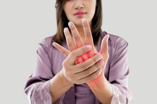 exacerbarea artritei mâinilor durere în articulația umărului stâng și antebraț