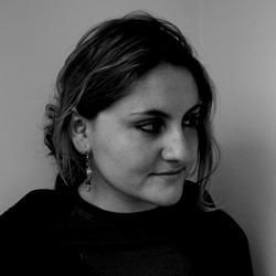 Miruna Vlada, poeta